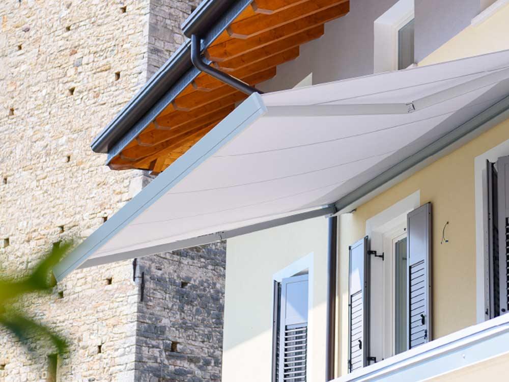 Foto tende stunning tende interne with foto tende cheap for Tende da esterno antipioggia